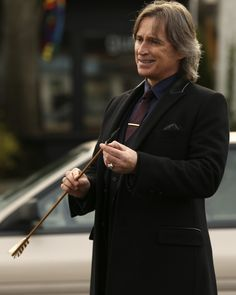 Wishing Robert Carlyle a birthday that's good as gold!