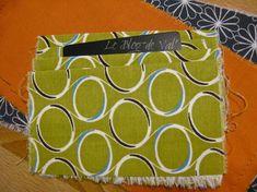 Tuto pochette porte-cartes - * * * Le Blog de ValèrIdées * * * Blog, Step By Step, Sewing Tutorials, Purses, Patterns, Sewing For Beginners, Tutorial Sewing, Handbag Tutorial, Blogging