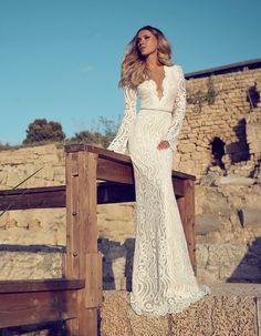 Julie Vino Wedding Dresses 2014 Fall/Winter. To see more: http://www.modwedding.com/2014/05/15/julie-vino-wedding-dresses-2014-fall-winter/ #wedding #weddings #fashion