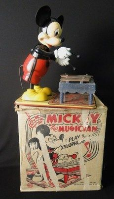 Vintage Disney Marx Mickey Mouse Wind Up Xylophone Player W/ Box Working . OH MY GOSH! My Uncle Bob had one of these and would bring it out when we visited. It was so special because Uncle Bob was so special to me Minnie Mouse Toys, Vintage Mickey Mouse, Vintage Disney, Disney Mickey Mouse, Disney Souvenirs, Disney Toys, Disney Fun, Walt Disney, Retro Toys