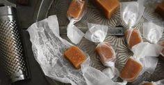 Κ…  αραμέλες μους...Απολαύστε σπιτικές καραμέλες, χωρίς συντηρητικά, με σοκολάτα και μέλι.         Υλικα      250 γ...