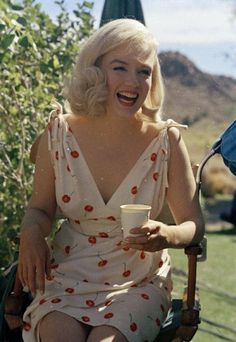 """Marilyn Monroe on the set of """"The Misfit's"""""""