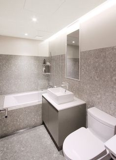Choosing the Perfect Bathtub Deep Bathtub, Old Bathtub, Very Small Bathroom, Simple Bathroom, Asian Bathroom, Bathroom Tubs, Luxury Bathtub, Large Tub, Toilet Design