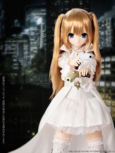 Lilia-White RavenⅡby Azone International, 2014.