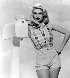 Jane Mansfield- you can really see the resemblance to her daughter (Mariska Hargitay)