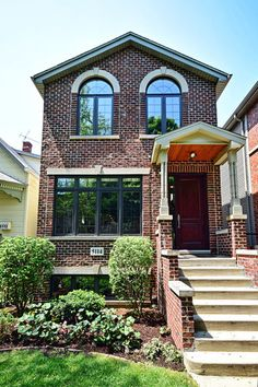 Property 5114 North WINCHESTER Avenue, Chicago, IL 60640 - MLS® #09255571 - Beautiful luxury home on an oversized lot. Open floor plan with Brazilian cherry hardwood floors. Huge kitchen with gran
