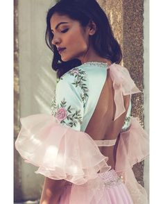 5 Indian Designers who are taking Indian fashion Industry to a new leap – Fashion fun India Stylish Blouse Design, Fancy Blouse Designs, Blouse Neck Designs, Neckline Designs, Blouse Styles, Indian Attire, Indian Outfits, Indian Wear, Indian Style