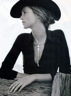 cowgirl.  casual elegance in black and white. Find your Fashion and photo Inspirations at Monica Hahn Photograpny