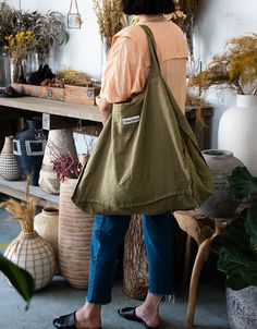 Enjoy timeless dining accessories with our range of Pure French Linen tablecloths, napkins and tea towels for a stylish home. Small Tote Bags, Reusable Grocery Bags, Carry All Bag, Linen Bag, Textiles, Bag Patterns To Sew, Fabric Bags, Market Bag, Shopping Bag