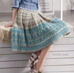Вязаная юбка спицами с жаккардовым узором