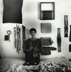 Textile Design, Textile Art, Sheila Hicks, Anni Albers, Art Populaire, Conkers, Textiles Techniques, Exhibition, Design Crafts