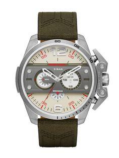 Uhren Diesel DZ4389. Einzelheiten erfahren Sie im Diesel Online Store. Sofort…