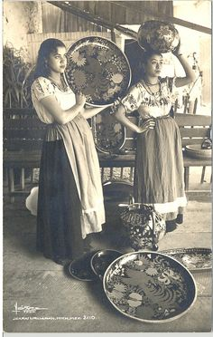 Uruapan Michoacan Women Postcard  This is a vintage Mexican postcard, probably from the 1950's. The women are posing with maque or lacquer plates. This kind of lacquerware is a typical craft of the city of Uruapan. Michoacan, Mexico