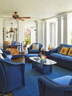 www.eyefordesignlfd.blogspot.com: Decorating With The Pantone Color Of The Year For 2014.....Dazzling Blue