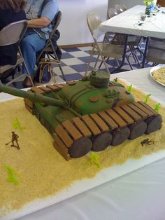 Baby shower tank cake Army Tank Cake, Army Cake, Military Cake, Military Party, Army Party, Army Birthday Cakes, Army Birthday Parties, Army's Birthday, Birthday Celebration