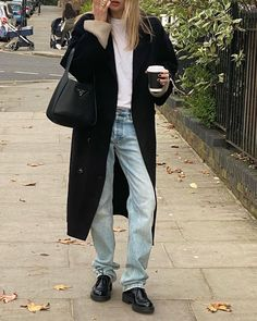 90s Fashion, Fashion Outfits, Womens Fashion, Mode Hipster, Camille Charriere, Winter Looks, Fall Winter, Minimal Fashion, Cute Casual Outfits