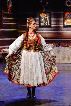 Folk clothing from Kraków, southern Poland. Image by Adam Gryczyński.