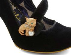 Shoesday: Cat Shoes with edgy oxidized heels - Mousebreath Magazine