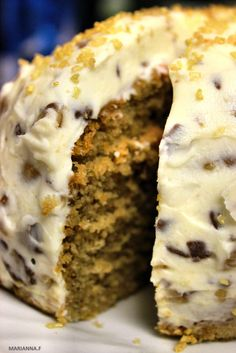 Swirl & Scramble: CARAMEL CAKE & CRUNCHY CHOCOLATE TOFFEE CREAM FROSTING