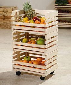 reciclando pallets puedes crear algo asi para guardar las verduras