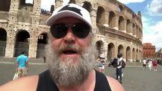 Maximo volvió al coliseo en modo turista. #RussellCrowe #roma #unoskilitosdemas