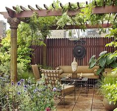 Lovely idea for my condo's courtyard space ... one section of it anyway --