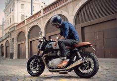 Triumph Thruxton 1200 by BAAK Motorcycles (France).