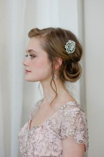 1920s wedding hair I like the loose strands around the face its super pretty!