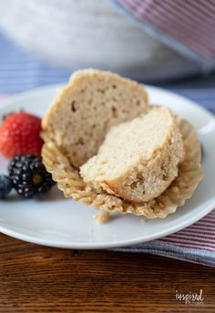 Use this Basic Muffin Recipe to create any flavored muffin you'd like. #muffin #recipe #basicmuffin #easy #breakfast #dessert #snack Breakfast Dessert, Breakfast Recipes, Muffin Recipes, Baking Recipes, Simple Muffin Recipe, Blue Berry Muffins, Base Foods, Sweet Treats, Easy Meals