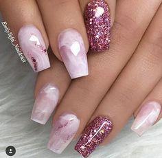 Nails, nail designs and nail art nail glitter design, glitter nail art, acr Pink Sparkle Nails, Glitter Nail Art, Cute Acrylic Nails, Bling Nails, Cute Nails, My Nails, Glitter Bomb, Glitter Wine, Nail Designs With Glitter