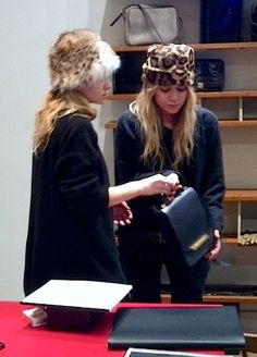 Mary-Kate & Ashley Olsen in fur hats #style #fashion #therow #mka #celebrity