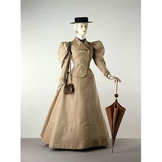 Linen suit, French, 1895, by Jacques Doucet.  From the collections of the Victoria & Albert Museum.