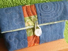 new pouch; Monika Wintermantel;    using some old jeans and some new fabrics from a moda-charm pack and an vintage mother-of-pearl-button.