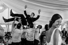 Novio manteado en banquete de boda en Aspe