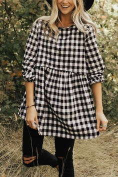 Black + White CheckeredTop Loose Babydoll Waistline 3/4 Sleeves + Elastic Cuff Keyhole Back Model is 5'9 + Wearing a Small