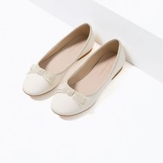 Image 7 of LEATHER BALLERINAS WITH BOW from Zara