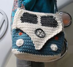 Campervan_shoulder_bag_wearing_it_view_small crochet Volkswagen VW purse handbag