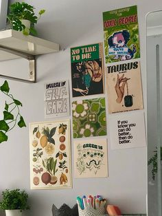 Room Design Bedroom, Room Ideas Bedroom, Bedroom Inspo, Indie Bedroom, Deco Studio, Uni Room, Ideias Diy, Pretty Room, Room Goals