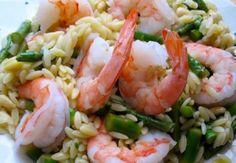 """Un piatto genuino e gustoso, ideale per una cena light: in tavola """"Orzo perlato con zucchine e gamberetti"""""""