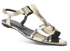 Shopping Mode Les 30 sandales de l'été 2015 : Sandales en cuir effet miroir Mask Roger Vivier http://www.vogue.fr/mode/shopping/diaporama/les-30-sandales-mode-de-lete-2015/21052/carrousel