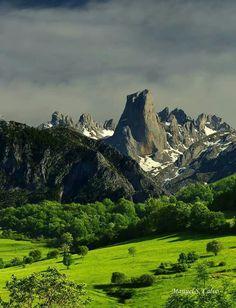 Picos de europa. Destacando el #Naranjo de Bulnes o Picu #Urriellu. #Asturias. #Spain.