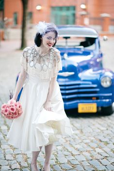 Vintage Bridal Portrait on Cobblestone Street | photography by http://www.iyqphotography.com/