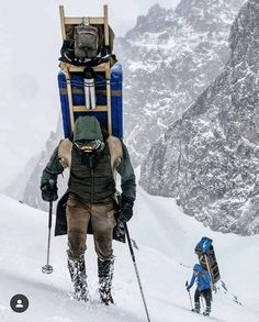 Absolútny rešpekt  #praveslovenske od  @samuell.jackson & @matotery71 ---- @podtatrami.sk  #podtatrami  #tatrymountains #tatryslovakia #tatry_official #tatrywysokie #tatryphoto #tatry #tatryzima #dobytatry #vysokétatry #hightatras #winter #zima #turistikanaslovensku #turistika #slovakia #slovensko #drama #mountains #mountainlovers #tatry #vysoketatry #vysoketatry #nahory #climbing #hiking #hikingadventures High Tatras, Big Country, Bradley Mountain, Instagram, Jackson, Beauty, Beauty Illustration, Jackson Family