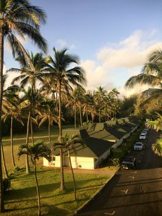 There is a newly renovated Hilton hotel with an ocean view that you must experience: Hilton Garden Inn, in Wailua Bay, Kaua'i.