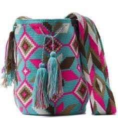 comprar bolso wayuu en madrid, wayuu, croche, bolsos hecho a mano, producto… Wiggly Crochet, Diy Crochet, Tapestry Bag, Tapestry Crochet, Crochet Crop Top, Crochet Purses, Crochet Accessories, Crochet Projects, Sewing Crafts