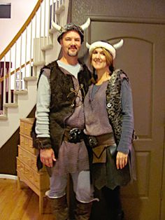 Viking costumes for a couple Vikings Costume Diy, Viking Costume, Dragon Halloween, Halloween 2019, Couple Halloween Costumes, Diy Costumes, Costume Ideas, Viking Party, Running Costumes