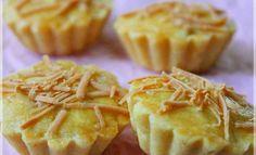 Kue kering yang wajib setiap lebaran nih...bentuknya imut tapi kaya rasa. Renyah kulitnya dan legit serta manis dari selai nanasnya. Ya...