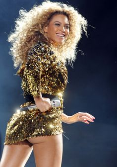 Amazing Beyoncé at Glastonbury Festival.