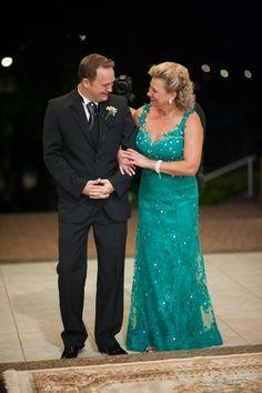 O casamento da filha estar chegando? Separamos maravilhosos vestidos para mãe da noiva. Confira fotos, modelos e tendencias de vestidos para mãe da noiva.