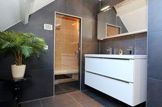 Een voorbeeld van een gerealiseerde badkamer door Sanidrome het Badhuis uit Scheemda.